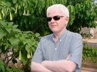 Albino conta sua história de vida no Sem Censura desta segunda-feira