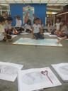 Classe em atividade no pátio