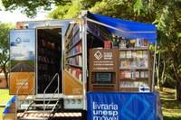 Livraria Unesp Móvel volta ao Guarujá na próxima semana