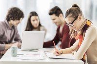Ibraíma Dafonte Tavares ministra aulas on-line de Preparação e revisão de texto